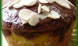 Dvoubarevné muffiny s broskvemi