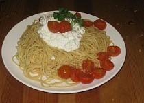 Špagety s ricottou a cherry rajčátky