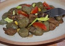 Špenátové gnocchi s hlívou a masem