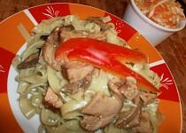 Těstoviny s houbami a tempehem