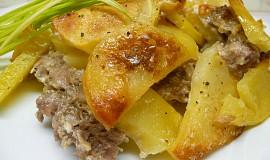 Zapečené brambory s mletým masem a smetanou