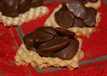 Mandle v čokoládě na oplatce