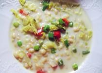 Smetanová fazolová polévka s kapustou