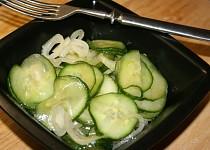 Čínský okurkový salát