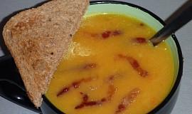 Dýňová polévka s curry