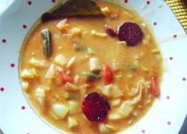 Chutná  a hustá polévka s hlávkovým zelím