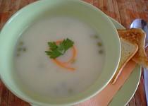 Krémová květáková polévka s hráškem
