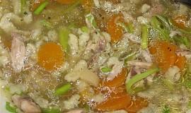 Strouhání do polévky s bylinkami