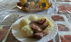 Bramborovo-houskové knedlíky