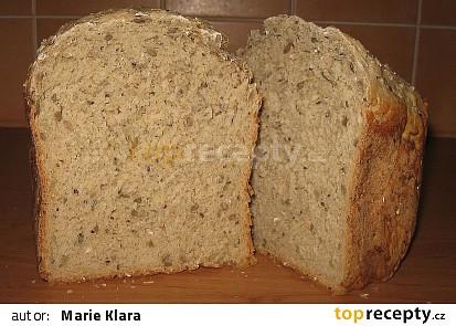 varianta s bílou, celozrnnou i chlebovou moukou (cca 1/4 žitné) + semínka, vločky, otruby a syrovátka