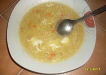 Slepičí polévka s krupičkou