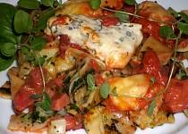Zapečené špenátové těstoviny s rajčaty a sýrem