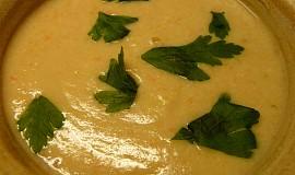 Zdravotní polévka z králičích stehýnek s jáhlovou zavářkou - mix