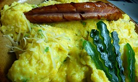 Krémová polenta s vejci