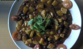 Bramborovo-fazolový guláš
