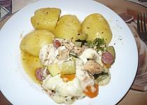 Kuřecí maso se zeleninou pod sýrovou čepičkou