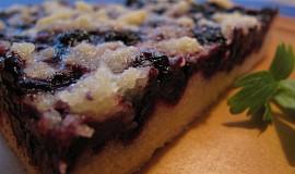 Křehký koláček s borůvkami