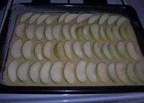 Pudinkový jablečný koláč