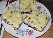 Bezlepkový borůvkový koláč s drobenkou