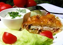 Závin s pangasem a bramborem s pažitkovou omáčkou