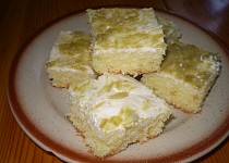 Hrnkový koláč s rebarborovým tvarohem