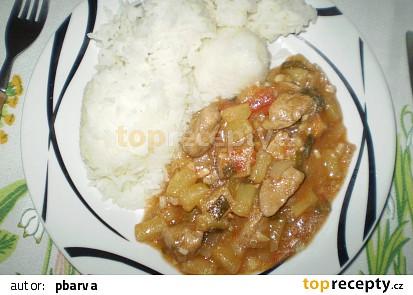 S jasmínovou rýží chutná dobře