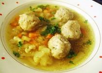 Zeleninová polévka s hlívovými knedlíčky