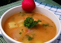 Falešná houbová polévka z ředkviček