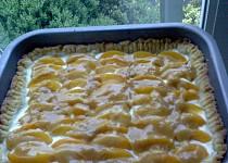 Meruňkový koláč s karamelem