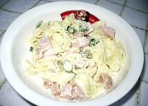Nudlový salát s uzenou šunkou