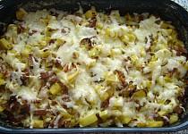 Zapečené brambory s pórkem a uzeninou