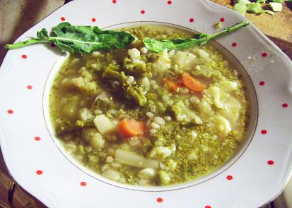 Polévka ze dvou košťálovin s krupkama