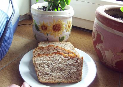nakrájený medvědí chleba...