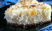 Ananasovo-mandarinkový koláč s kokosem