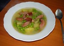 Hrášková polévka s párkem