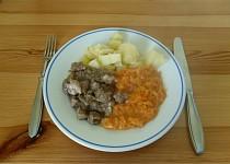 Dušená mrkev s vepřovým masem