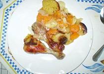 Kuřecí stehna s mrkví a bramborem