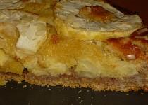 Jablečný koláč s marcipánem