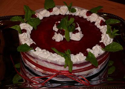 Malinovo jogurtový dortík