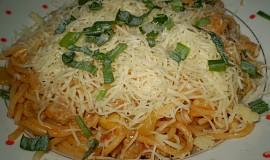 Špagety s hříbkovou omáčkou