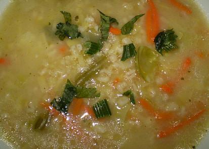 Zeleninová drožďovka s kroupama