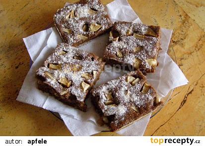 Lehký jablkový koláč mouřenín