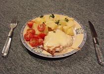 Kuřecí steak se sýrem a salámem