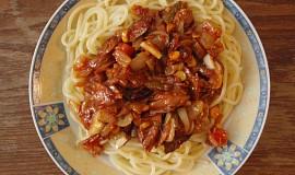 Špagety s tuňákovým salátem
