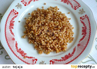 Tarhoňa udusená v rúre, pripravená na jedenie