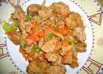 Kuřecí maso se zeleninou a sójovou omáčkou