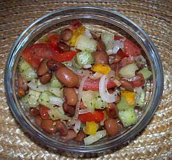 Zeleninový salát s fazolemi