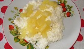 Sladká rýže s ovocem
