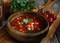 Pikantní cizrnová polévka po mexicku