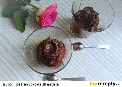 Chocolate mousse z avokáda